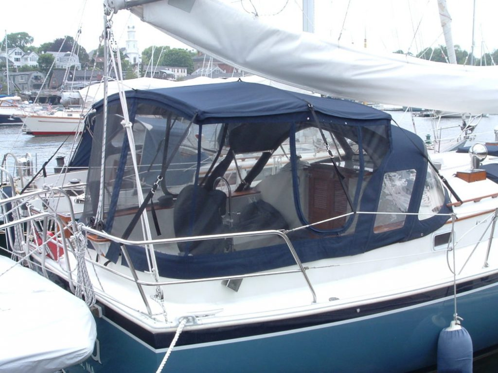 Full boat enclosure with screens
